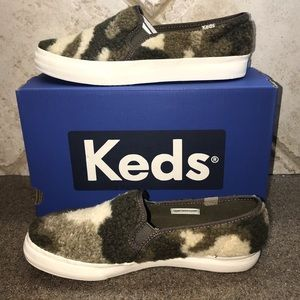 🆕Keds Double Decker Faux-Shearling Olive Camo